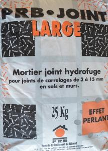 Joint large pour terre cuite for Realiser des joints de carrelage